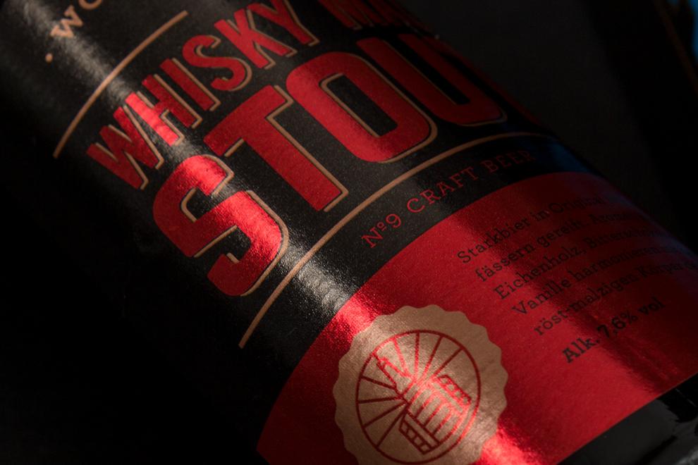 Das Etikett für das Whisky Malt Stout Bier der Brauerei Neunspringe.