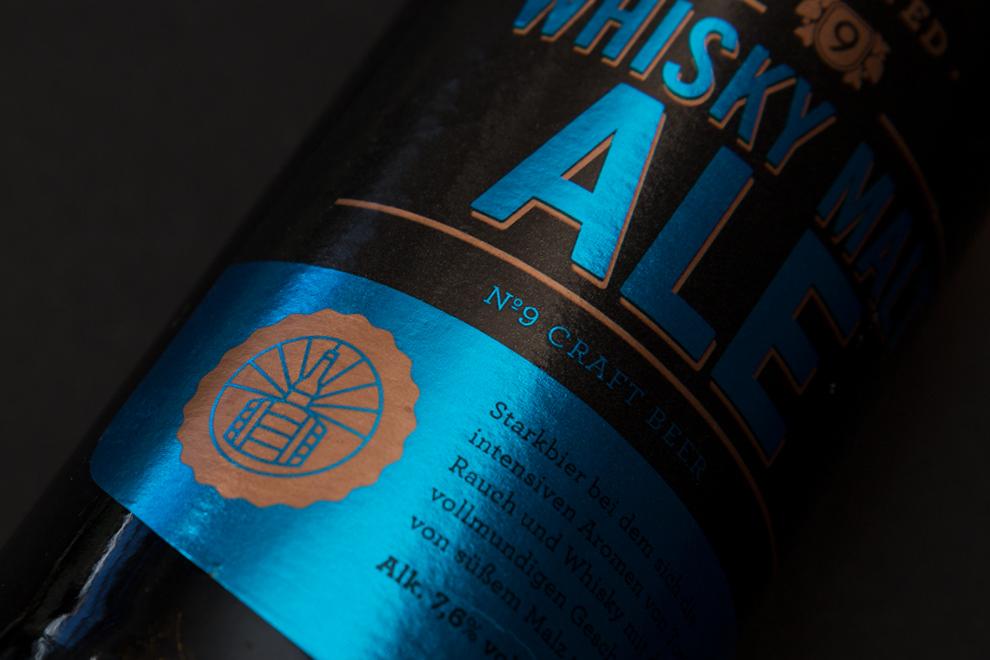 Das Etikett für das Whisky Malt Ale Bier der Brauerei Neunspringe.