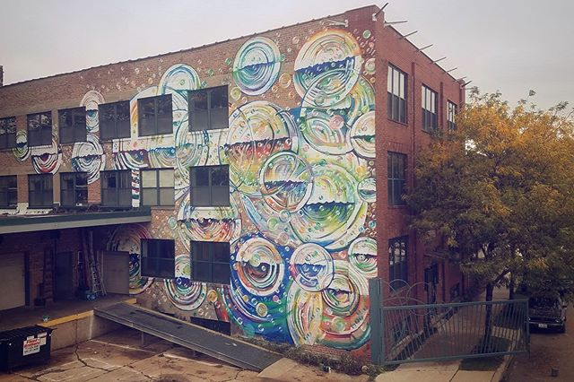 In case you needed another reason to visit Bubbly, The Plant's sister building, during #openhousechicago2019 maybe @thejoemiller 's new mural will convince you? Come check it out on Oct. 19-20 and meet the amazing artists and makers operating out of this building like @sshchicago @mpcustommade @chicagotoollibrary @make_chicago @fatamorganapress @pedaltothepeople @pallet_sound and more!