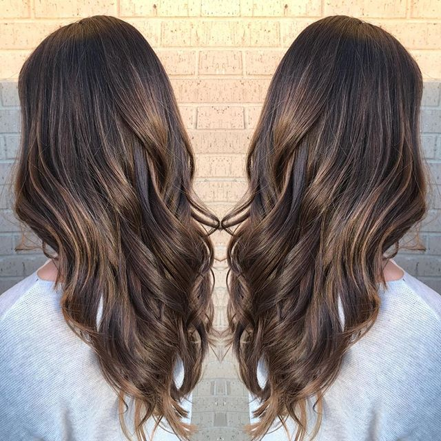 A brunette Balayage on its way to summer brightness! I'm just loving these neutral warm tones and I'm stoked to be getting away from icy browns.  Ready to get on the path to your hair goals? Book with me! #balayage #redkenshadeseq #dallashairstylist #texashair #brunette #brunettebalayage #hairgoals