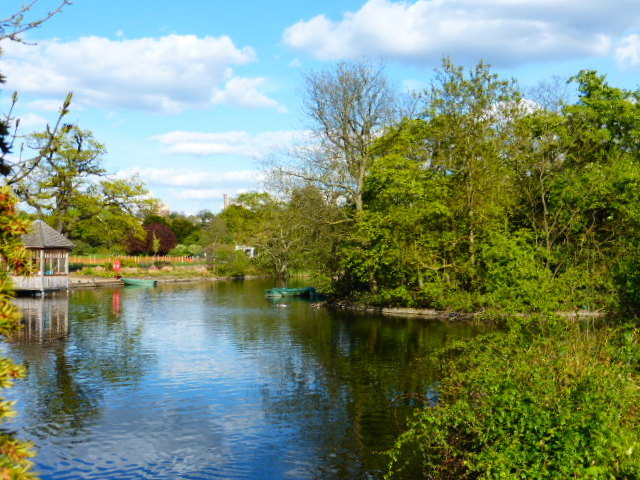 Bell House garden stretched as far as Dulwich Park's boating lake