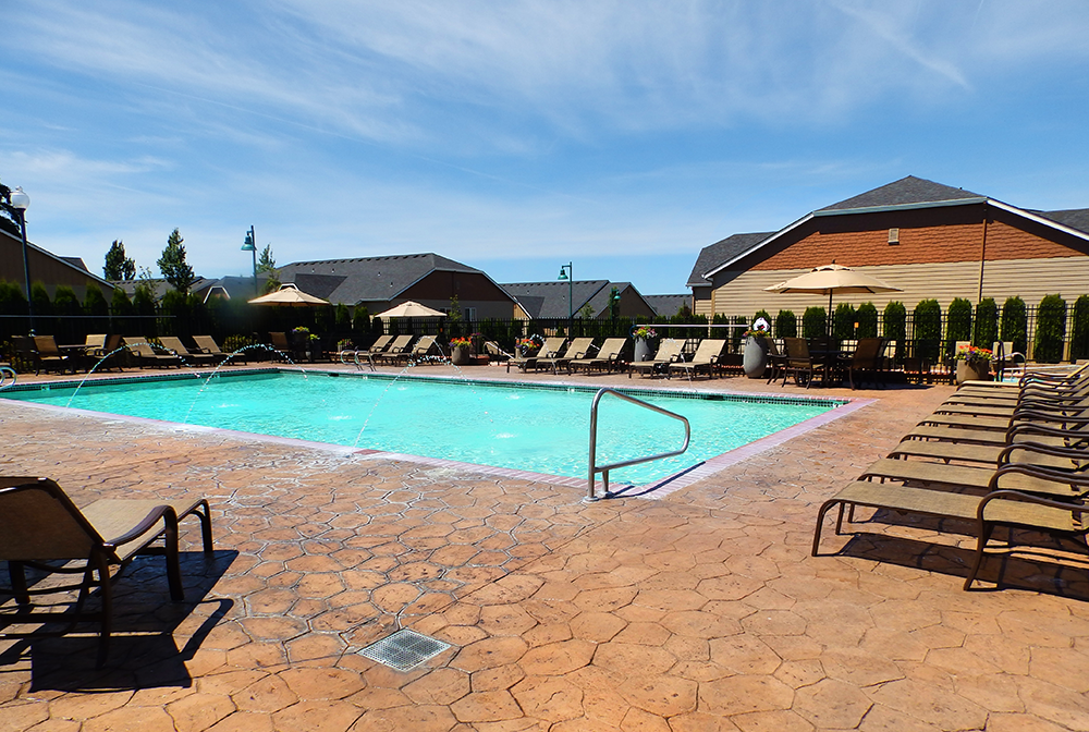 Vancouver-Washington-Mission-HIlls-luxury-apartments-pool-3.png