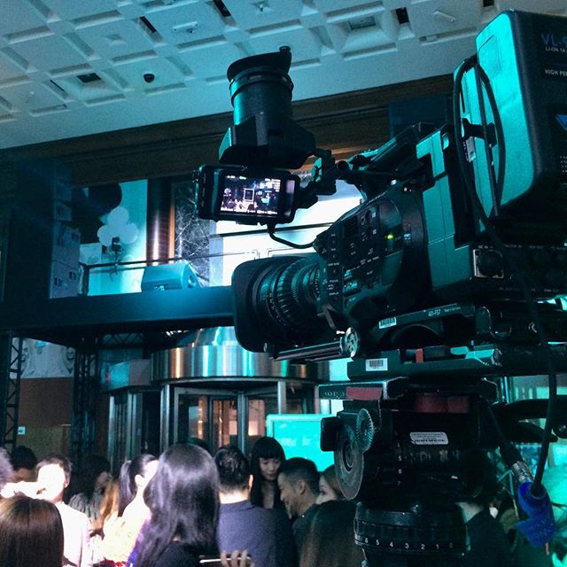 """And I said what about, 'sliderin' at Tiffanys"" - Jon Burke.  What a fantastic gig! #tiffanyblue #music #livestream #video @bulldogdigitalmedia"
