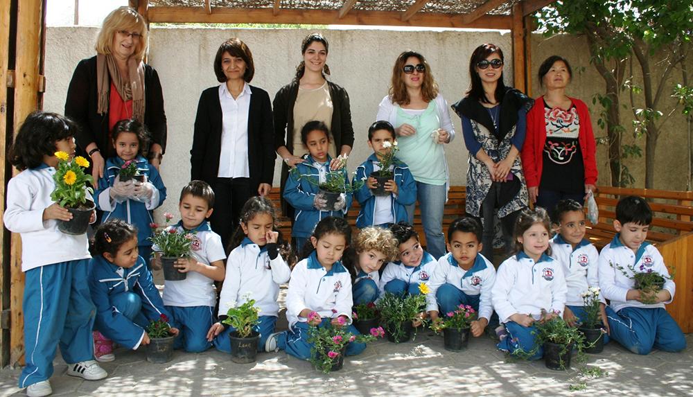 March 27, 2013 Planting Foundation 05.JPG