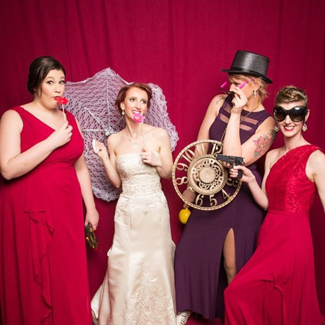 Make some great memories! #pdxphotolounge #photobooth #wedding #weddingparty #weddingfun #love #marriage
