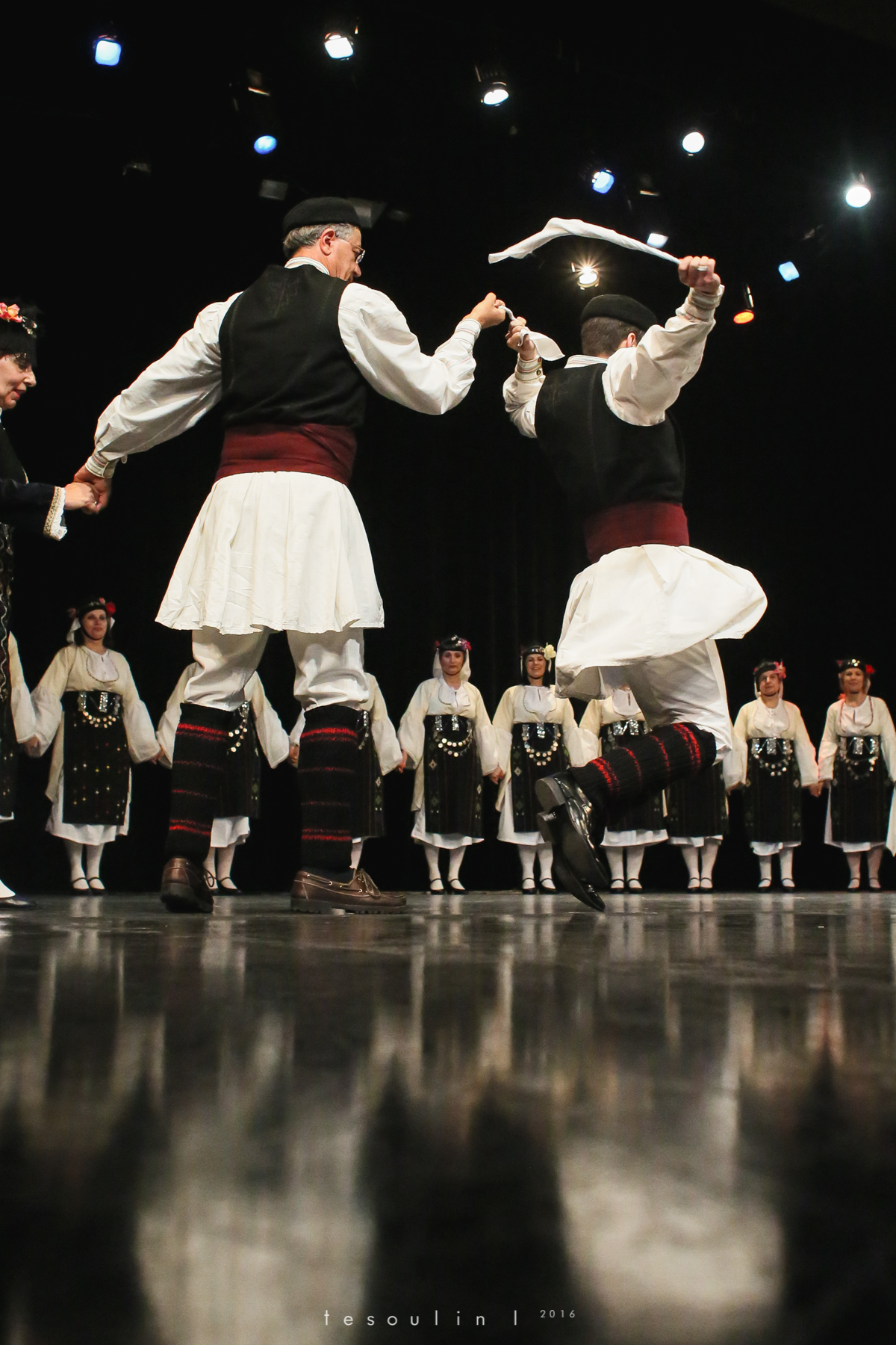 greek dances - tesoulin -5.jpg