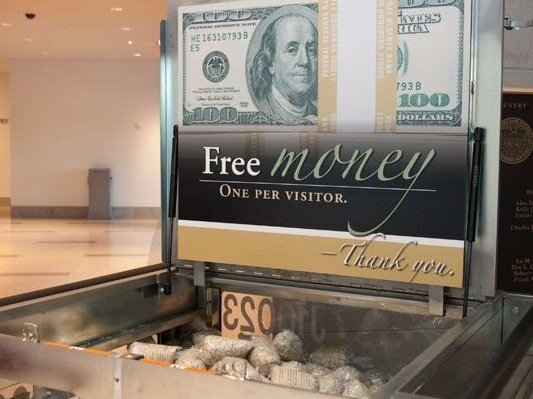 The Money Museum - The Money Museum is located within the Crown Center District. The free walk-in experience includes interactive exhibits on banking and finance, the historic Harry S. Truman Coin Collection, and the Bank's Cash Processing and Vault viewing area. Must present valid state-issued photo ID to enter.