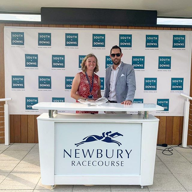 South Downs Water are delighted to be the Official Bottled Water Partner for @newburyracecourse Pictured here is South Downs Water's MD Will Windsor presenting the prize for the South Downs Water Stakes #newburyracecourse #horseracing #officialpartner #bottledwater #stayhydrated