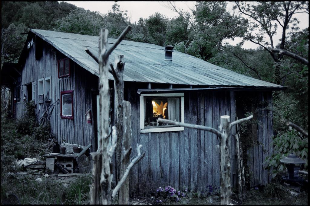 10-16-12-blue-house-HIGH-GIBO-flat-grao.jpg