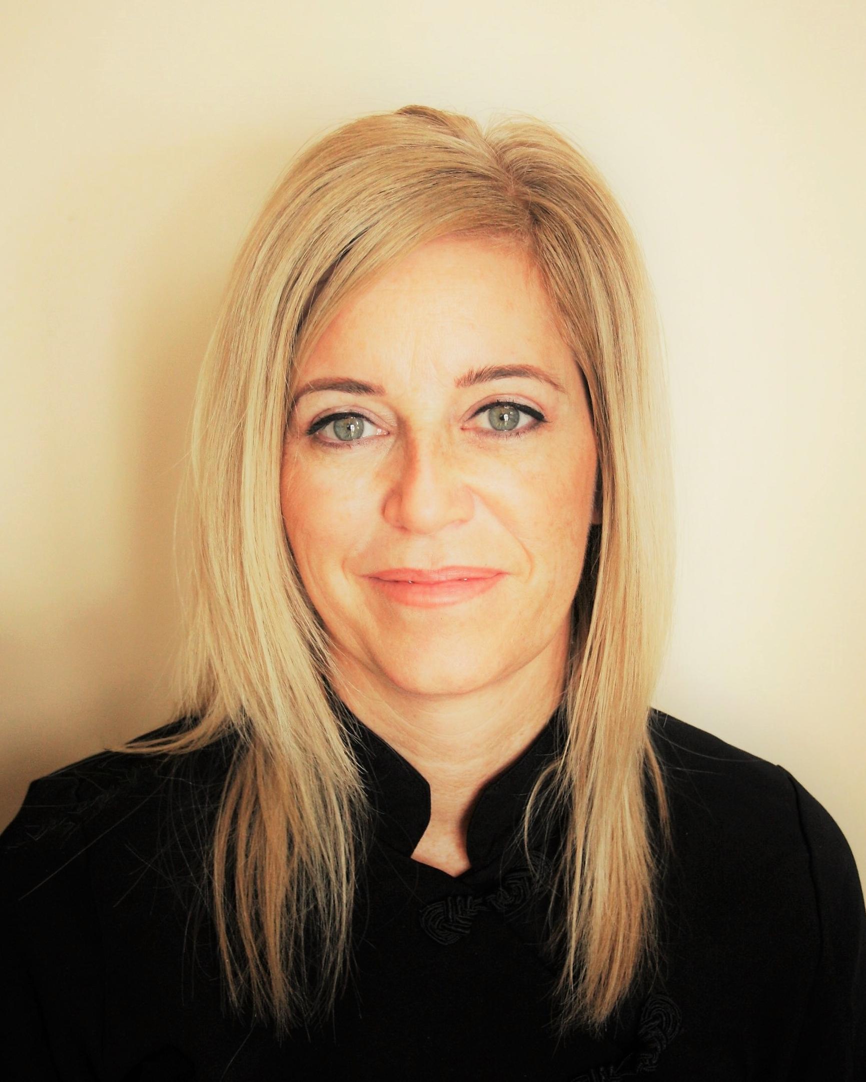 Nancy Gravel    Esthéticienne, Électrolyste, Technicienne Laser