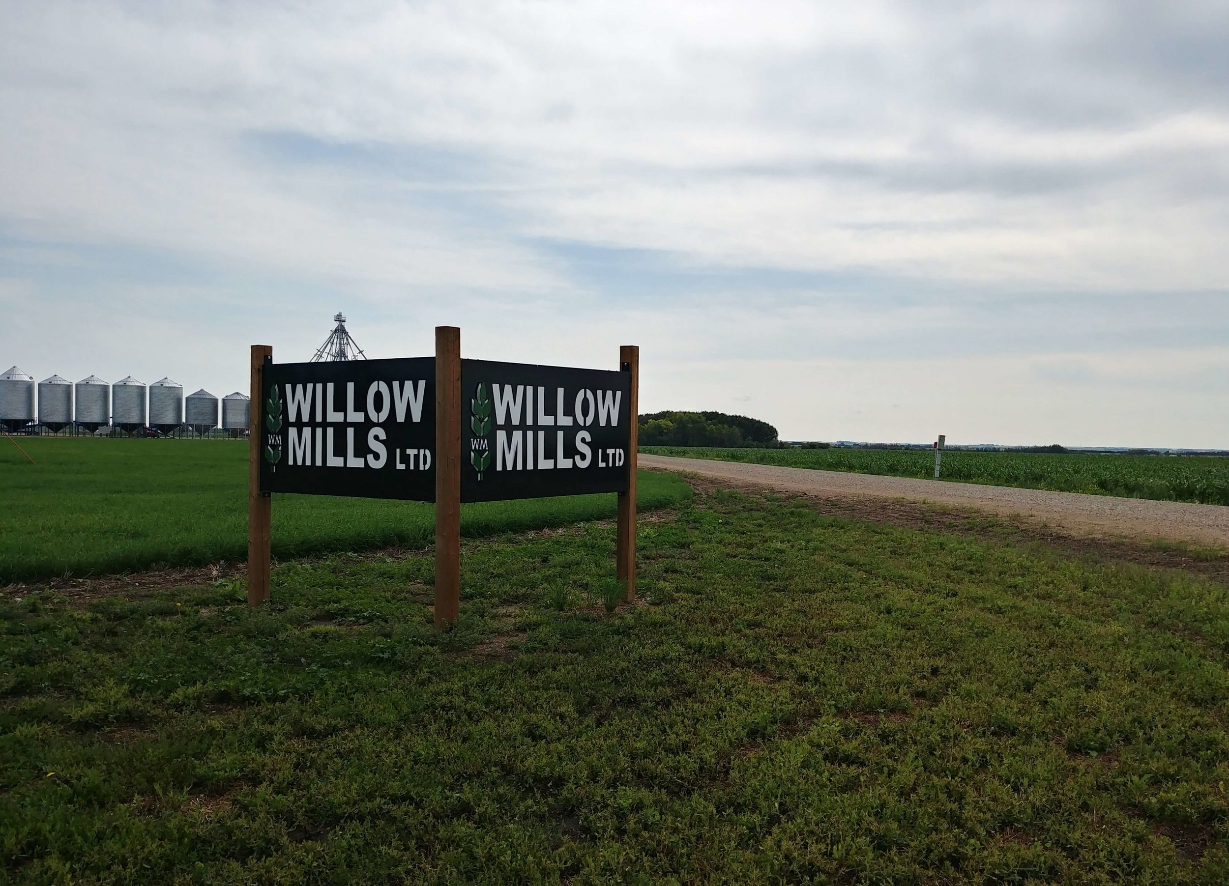 Willow Mills works together with independent industry-leading nutritionists to provide premium feed, support and service to our customers.