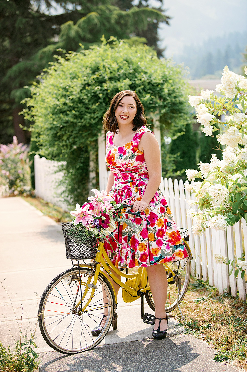 WEB_High School Senior on bike with flowers_Studio B Portraits_Dulin_0316.jpg