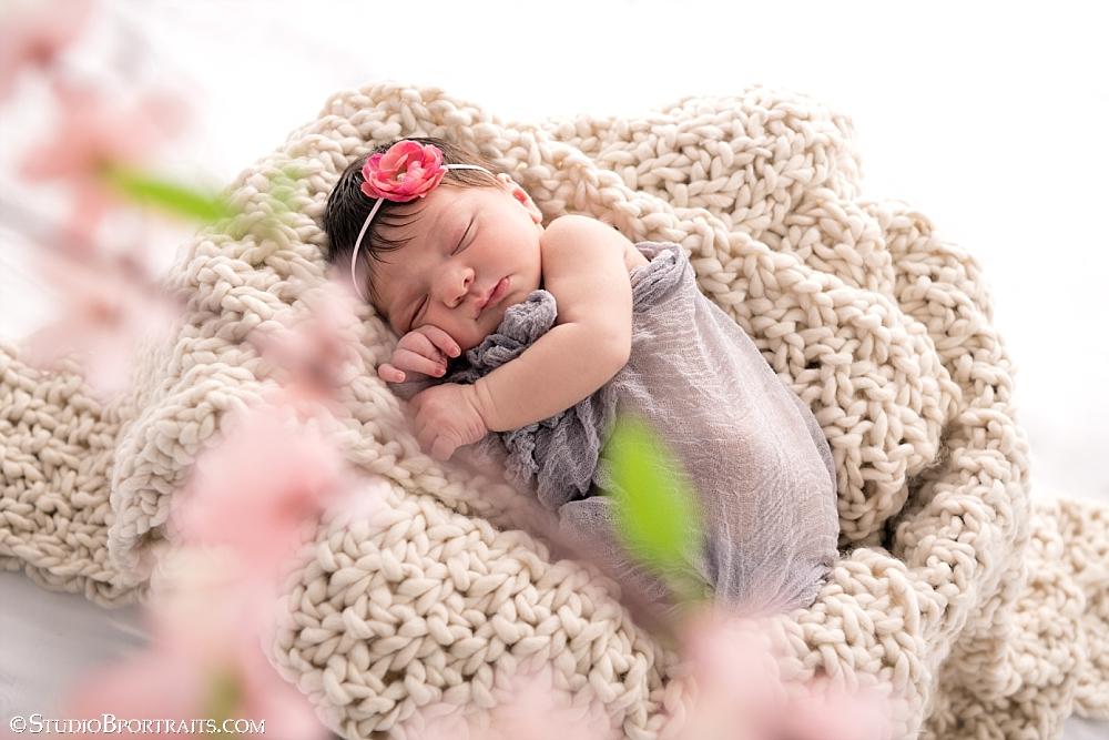Newborn baby girl_5 days_Studio B Portraits_0201.jpg
