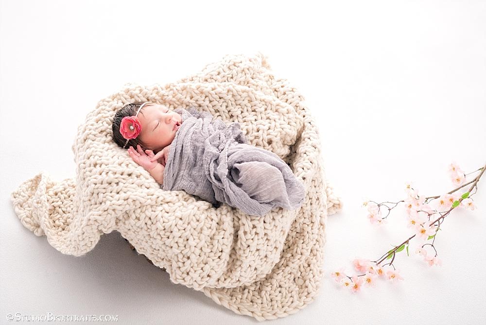 Newborn baby girl_5 days_Studio B Portraits_0198.jpg