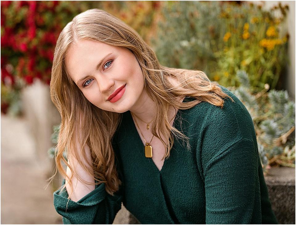Holy Names Academy    senior, Emily, for Studio B Seniors | pc:    StudioBportraits.com