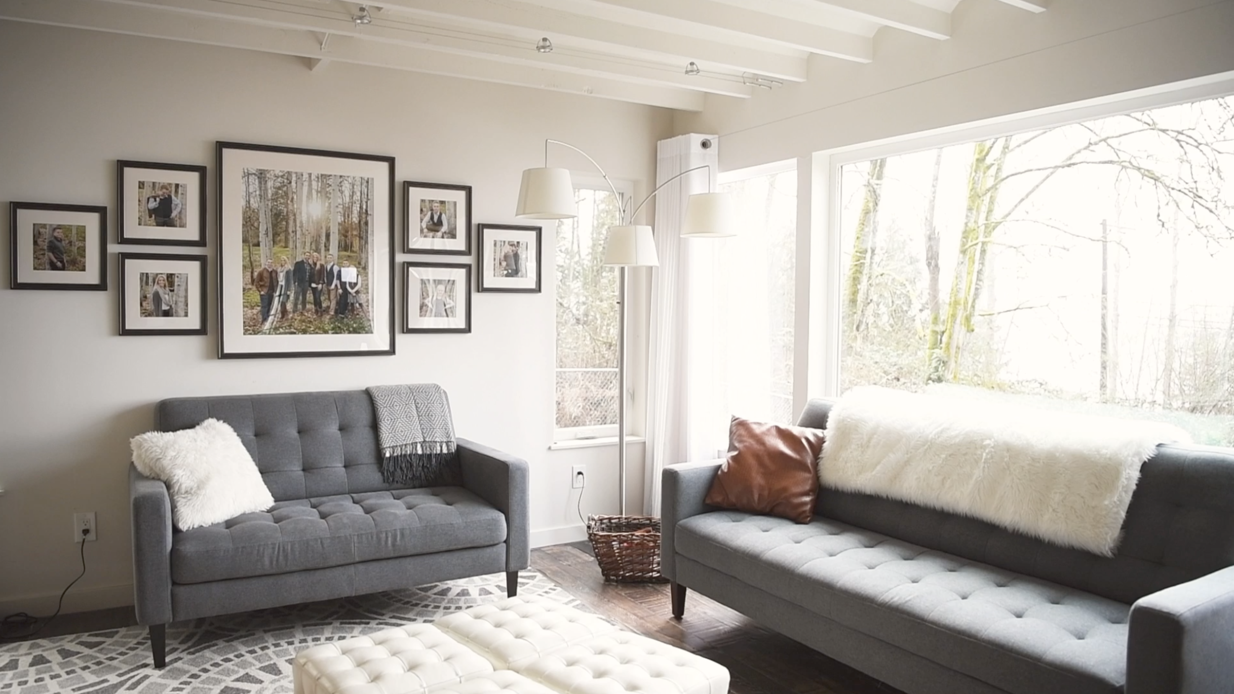 Decorating your home with family photography | PC:  StudioBportraits.com
