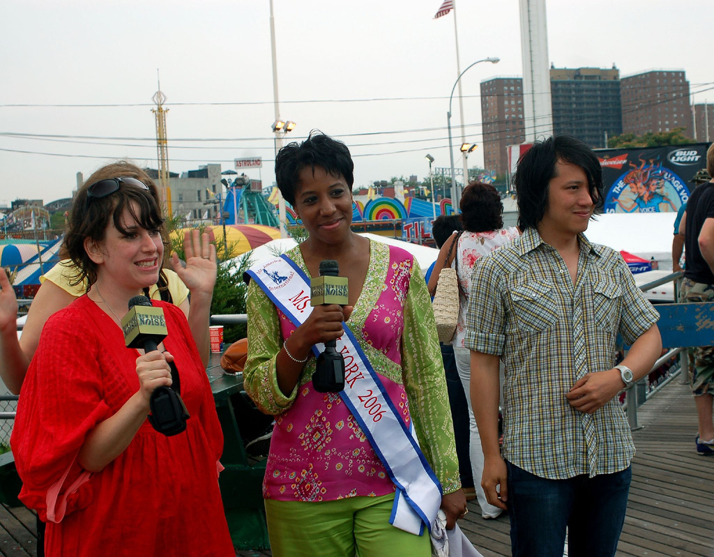 The Rogers Sisters with Ms. New York during New York Noise segment