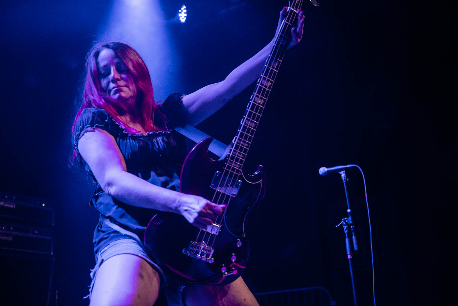 Jennifer Finch of L7 performing at Brooklyn Steel on Thursday, April 12, 2018.