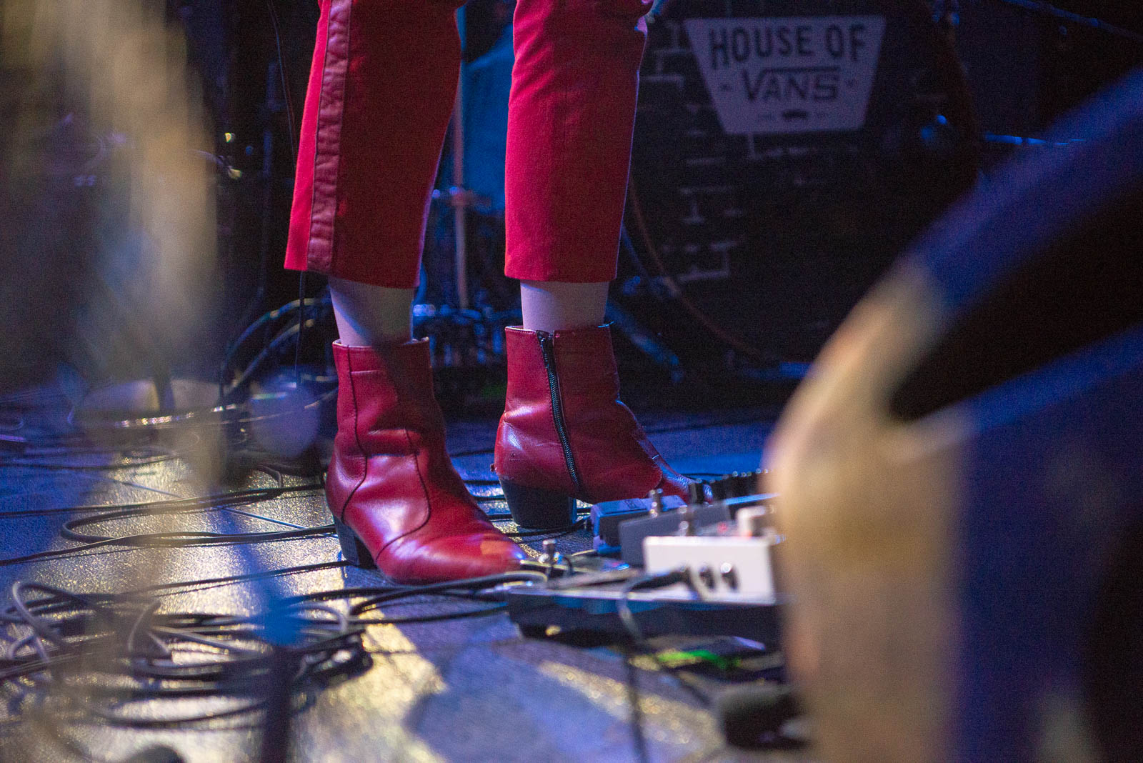Circuit Des Yeux at House of Vans