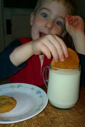Yummm....Fresh Milk & Cookies