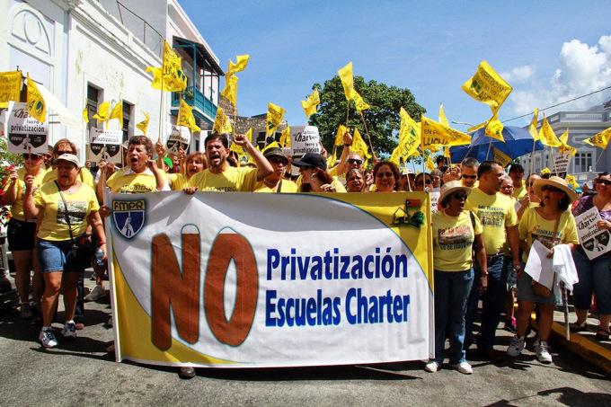 foto escuelas puerto rico.jpg