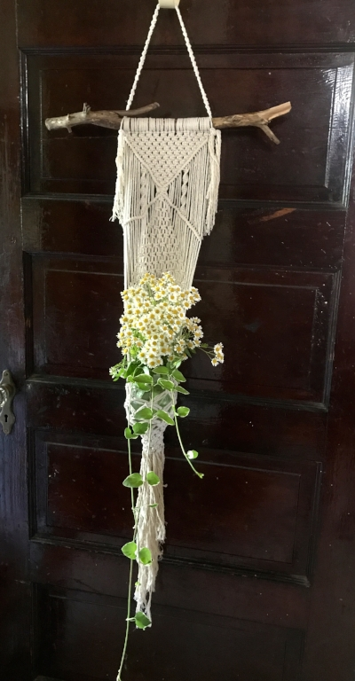 Learn  Macrame  - With Linda Smith