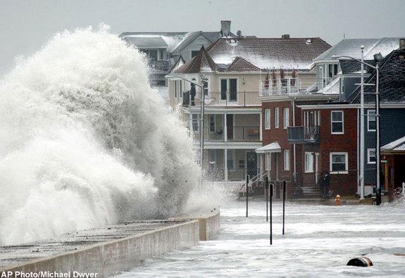 ig23_waves_coastal_flood_02.jpg