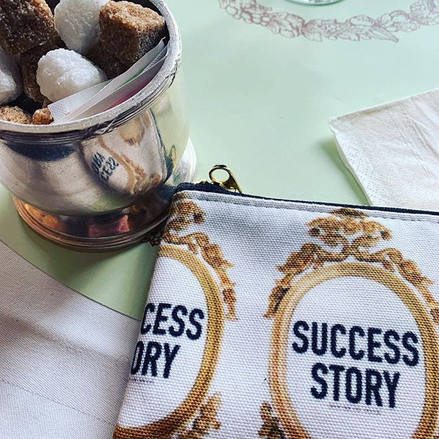 A Success Story with Sugar. #mme.mink #houseofmink #sugar #laduree #doihavetocomehome #london #sweetlife #annawintour #vogue #macrons