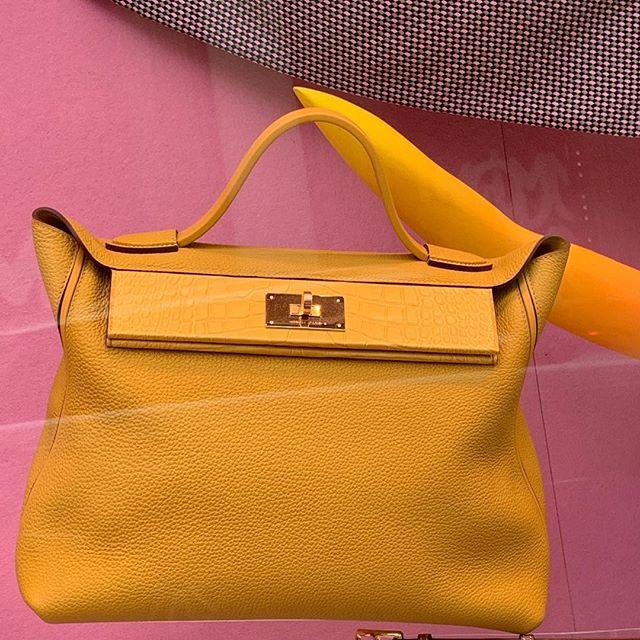 Hermès. #mme.mink #houseofmink #hermes #london #annawintour #vogue #mustard #mayfair