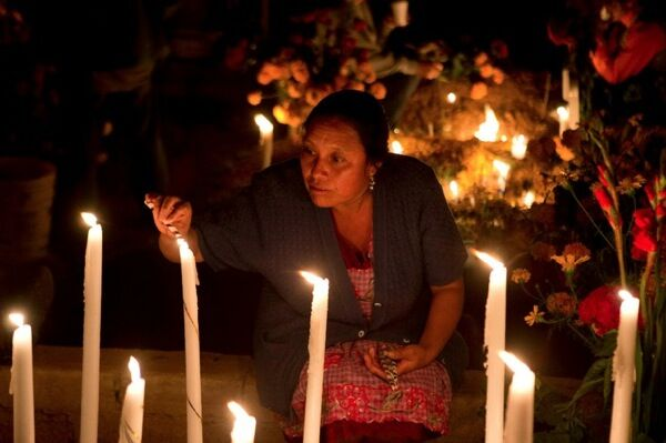 From  La Ofrenda: The Days of the Dead , a documentary film by Lourdes Portillo and Susana Muñoz.