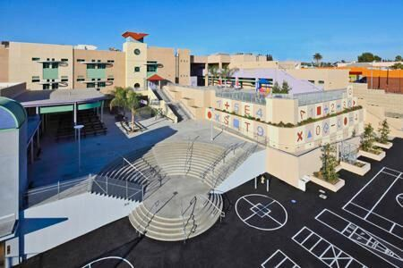 The Sandra Cisneros Learning Academy. Photo © 2011 Swinerton Builders Los Angeles