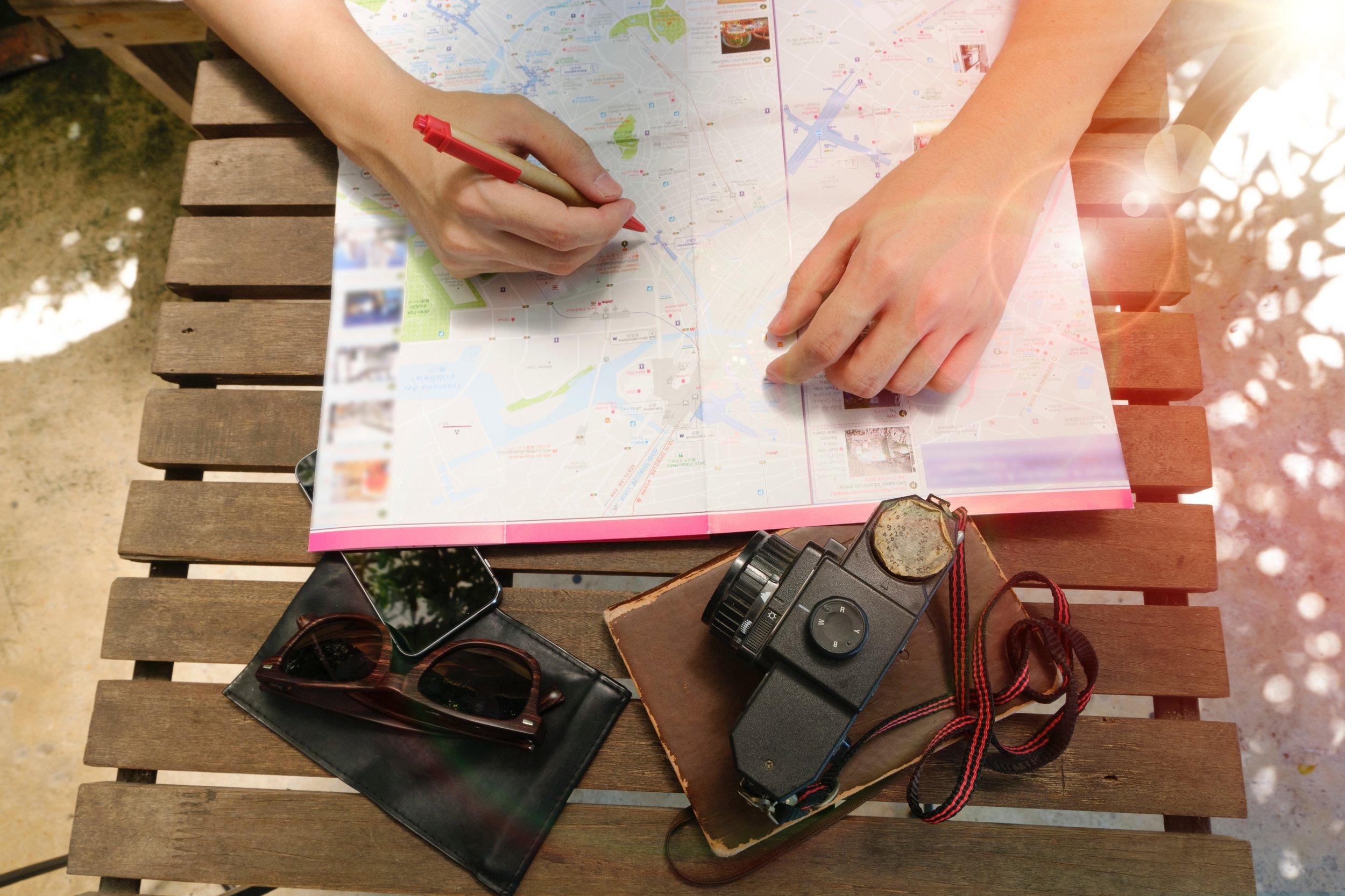 Repérer les endroits que vous voulez visiter / Pinpoint the places that you want to visit