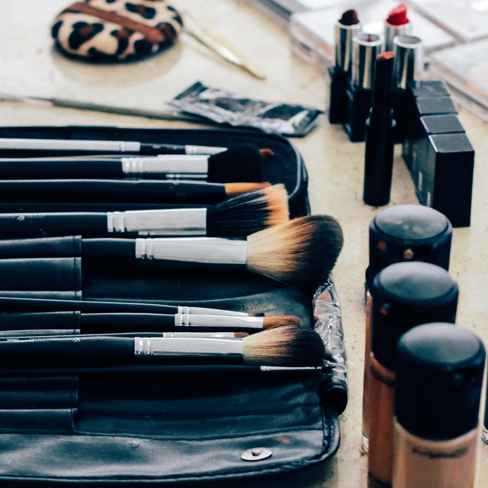 Makeup image courtesy of  Manu Camargo