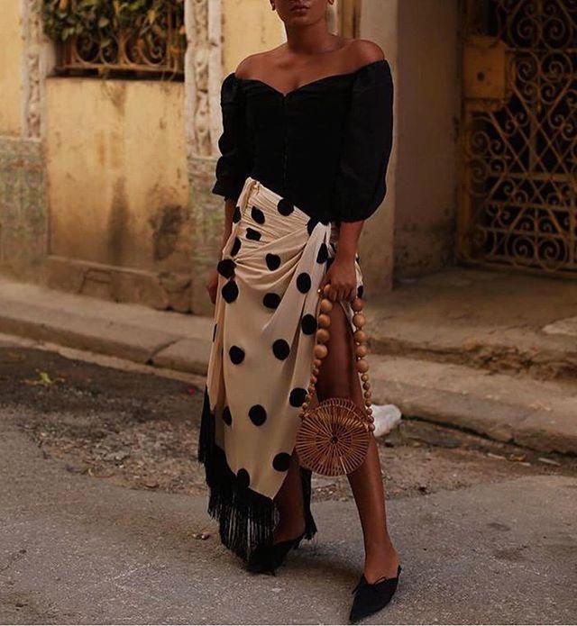Spanish Vibes ✨ #lestyleco#personalstylist#stylediary#ootd#instadaily#picoftheday#instapic#style#inspiration#instafashion#stylist#fashion#blog#love#lovefashion#streetstyle#inspo#fashioninspo#personalshopper#fashionstylist