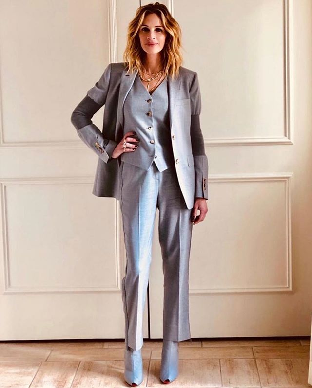 Suiting perfection by @juliaroberts 🙌🏼✨ #suit#fashion#style#monochrome#styleinspo#personalstylist#ootd#picoftheday#lookoftheday#instadaily#instapic#lovefashion#streetstyle#inspo#fashioninspo#personalshopper#fashionstylist