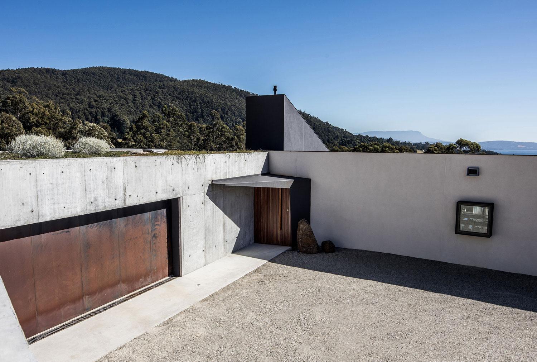 Sunnybanks House -