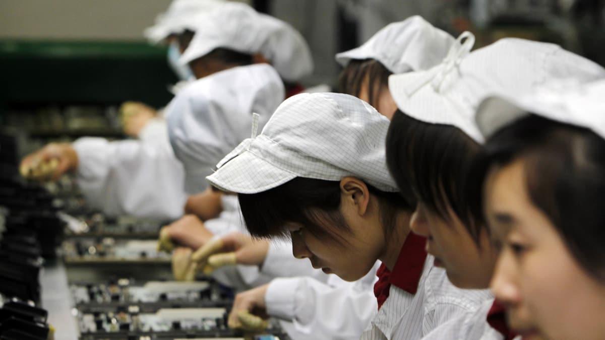 china-labor-practices-karabell_zkkzc8.jpg