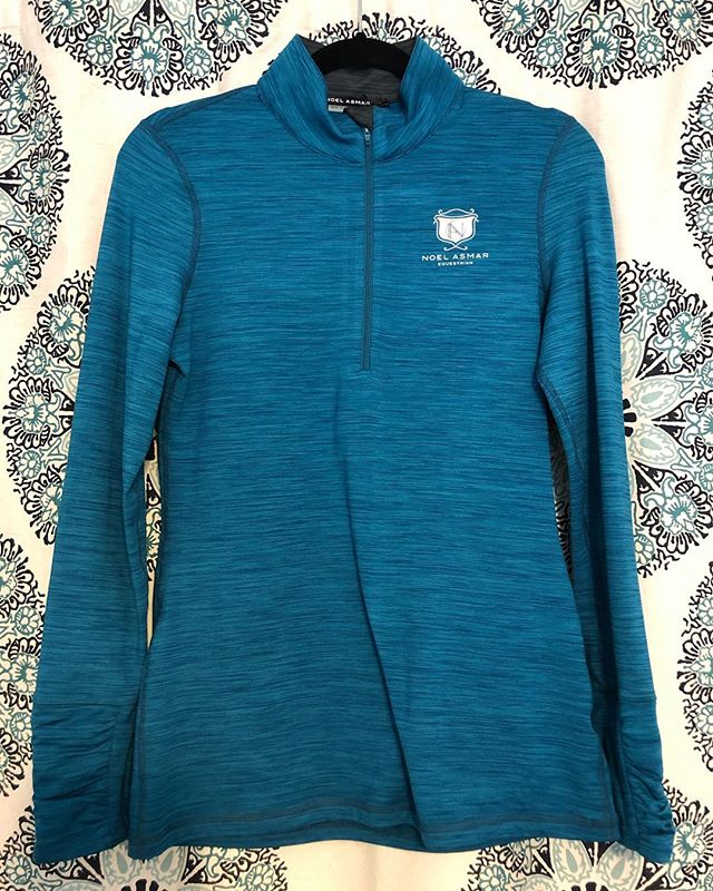 LAST ONE! Asmar Equestrian winter quarter zip with soft fleece lining. Size Medium in Pool, a rich teal-blue color. New with tags. Retail $119. Yours for $50 +$5 shipping anywhere in the lower 48. DM to purchase! It's still cold out there kids! ❄️ . . . #equestrian #equestrianfashion #equestrianlife #equine #winterriding #equestriansale #sale #equestrianblogger #barnlife #horsesofinstagram