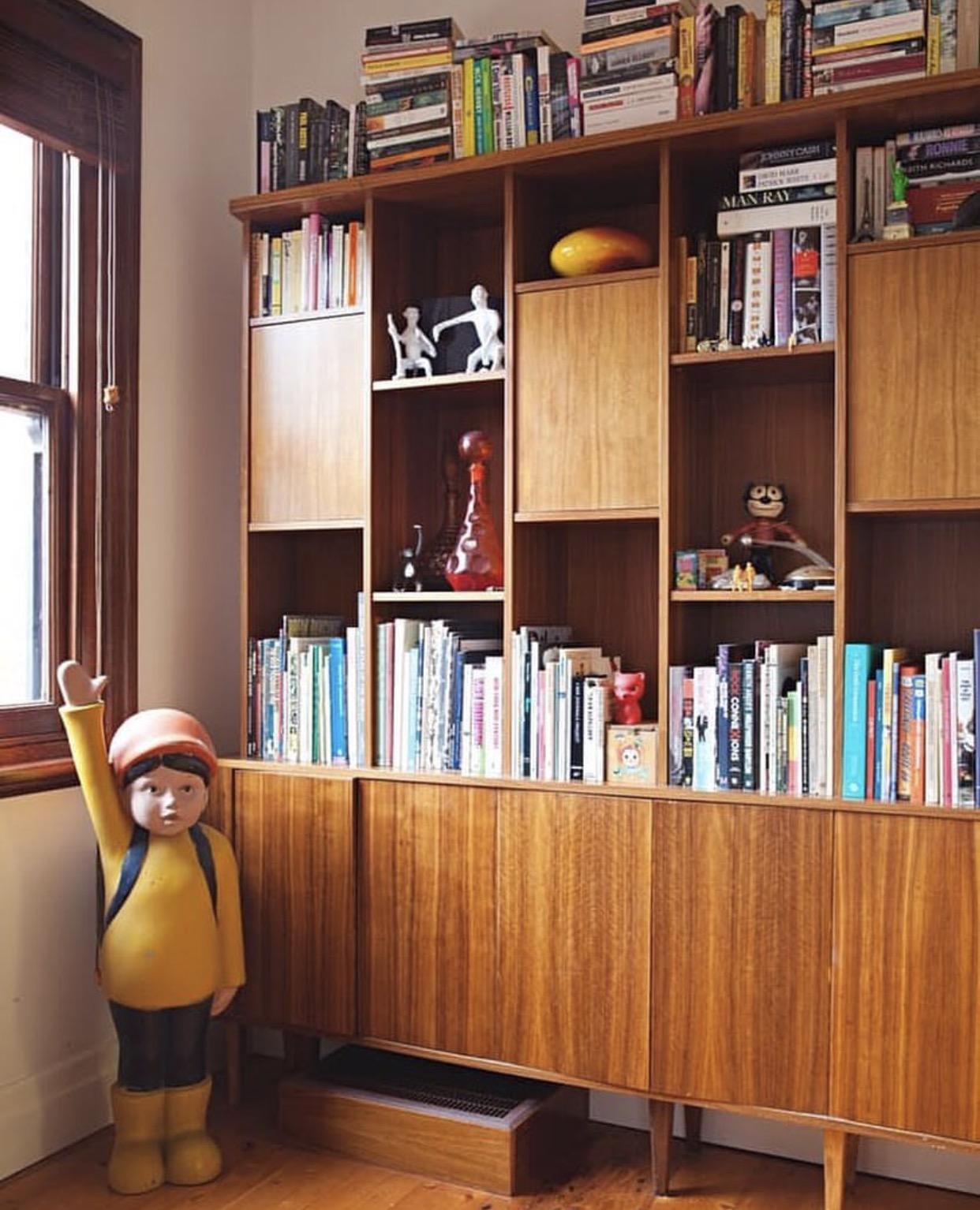 bookshelf 5.jpg