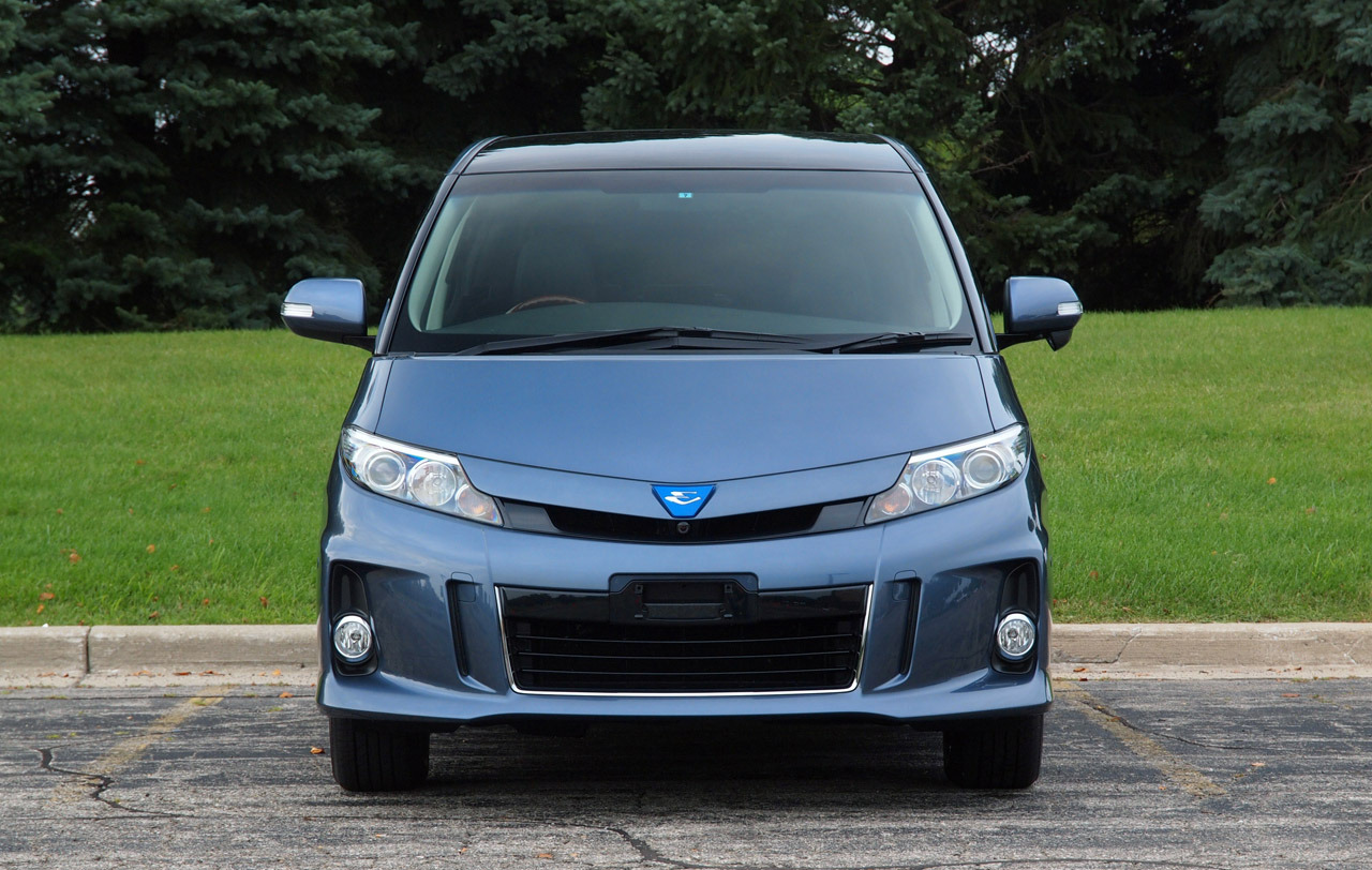 toyota-estima-hybrid-minivan-4-1.jpg