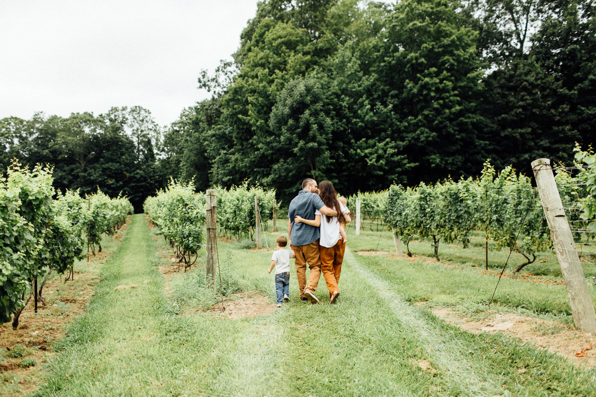 chamard-vineyards-ct-new-england-editorial-family-photographer (1 of 34).jpg
