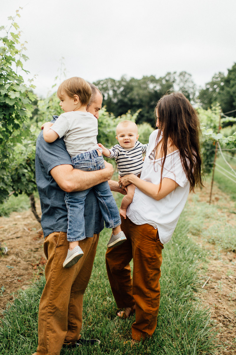 chamard-vineyards-ct-new-england-editorial-family-photographer (19 of 34).jpg