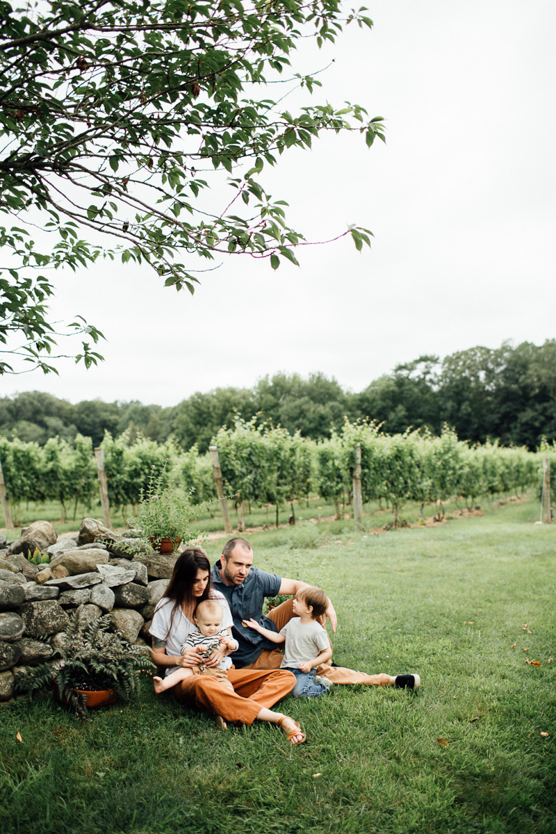 chamard-vineyards-ct-new-england-editorial-family-photographer (23 of 34).jpg