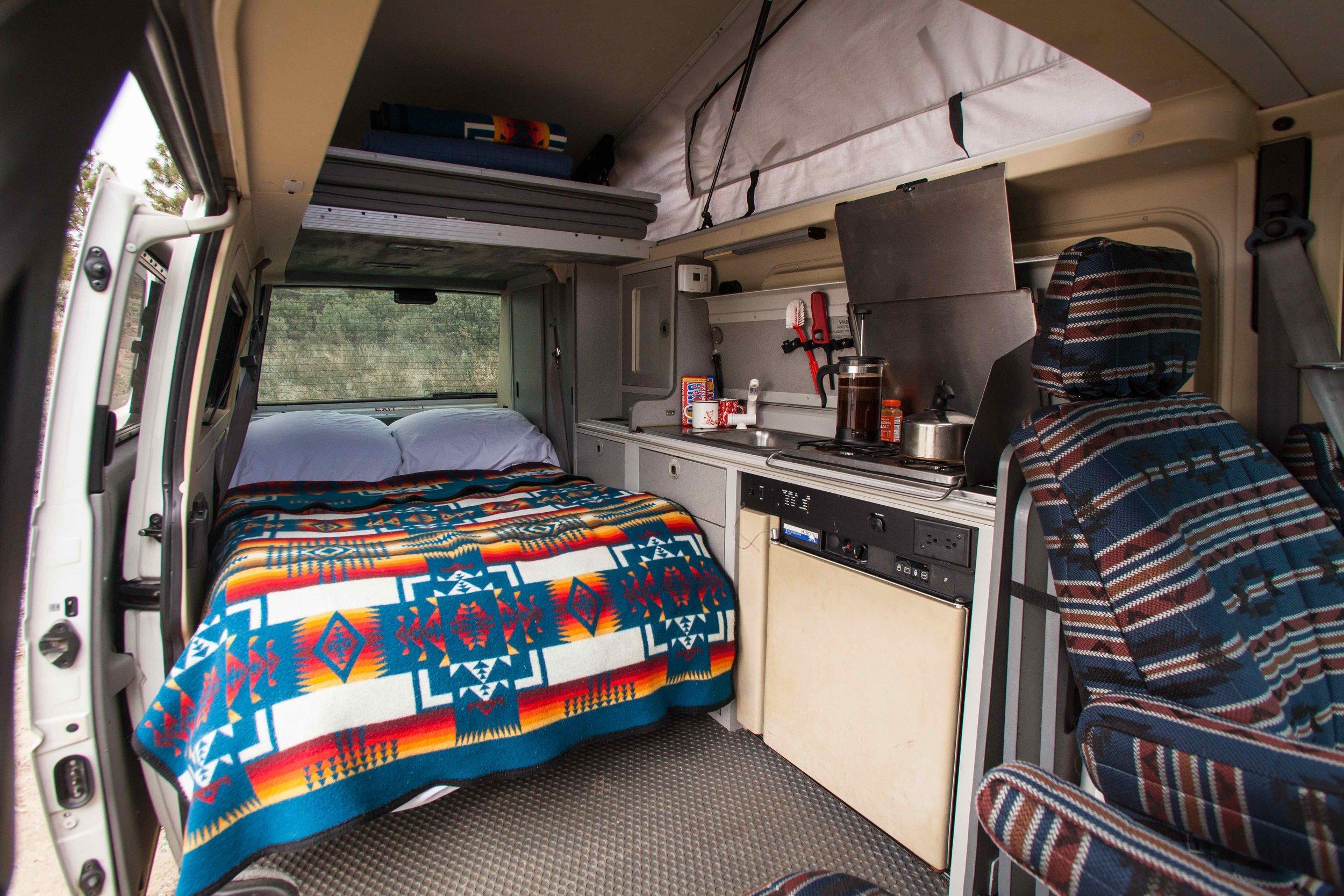 bed made main cabin.jpg