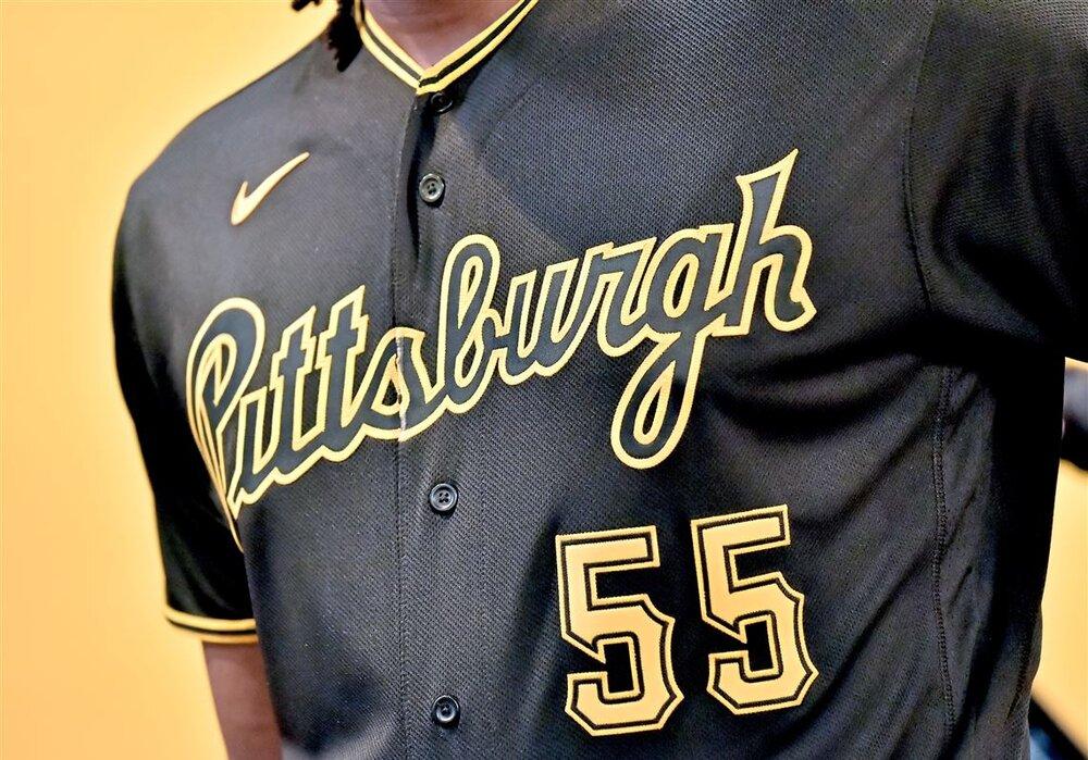 Pittsburgh Pirates Uniform.jpg