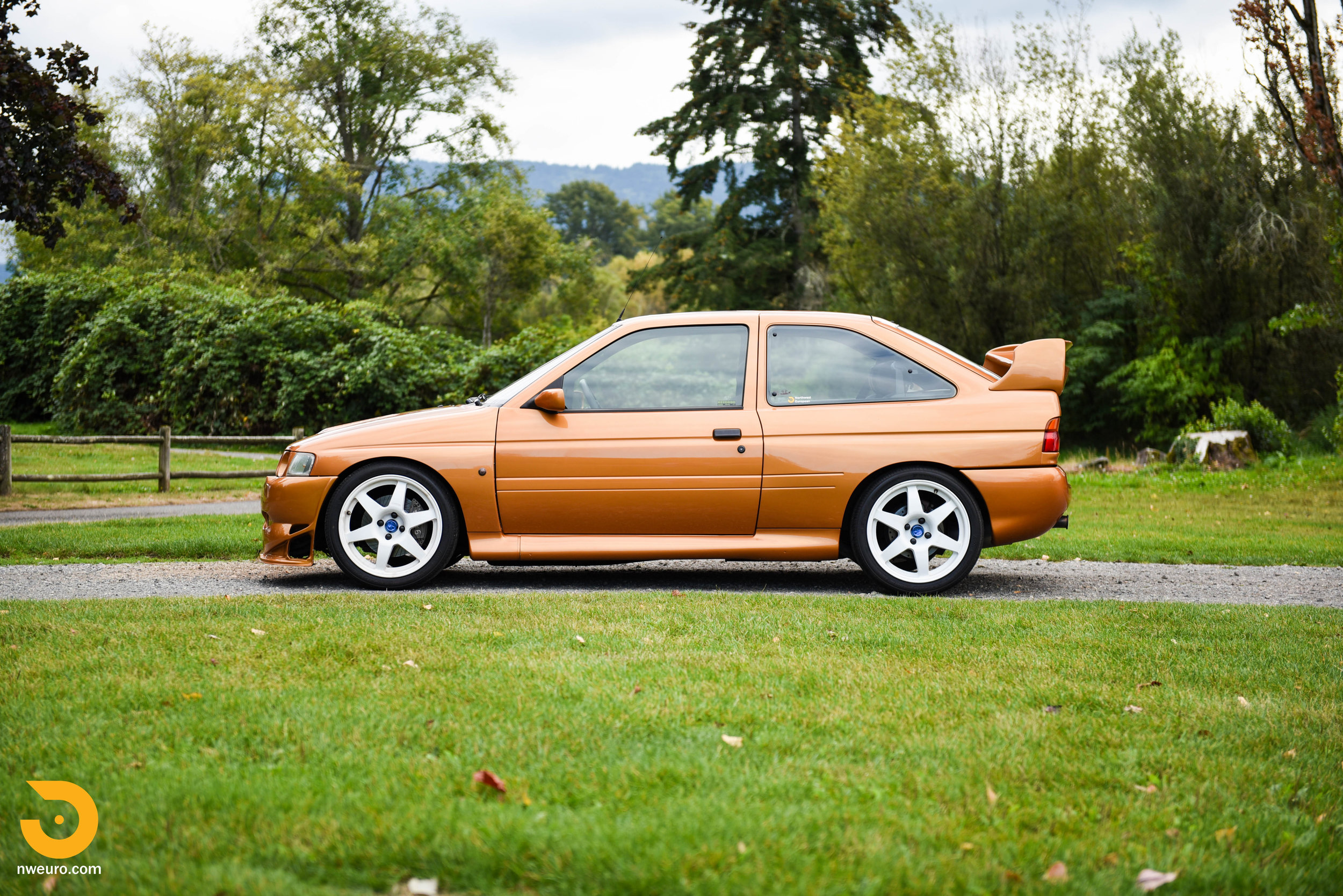 1995 Ford Escort Cosworth RS-2.jpg