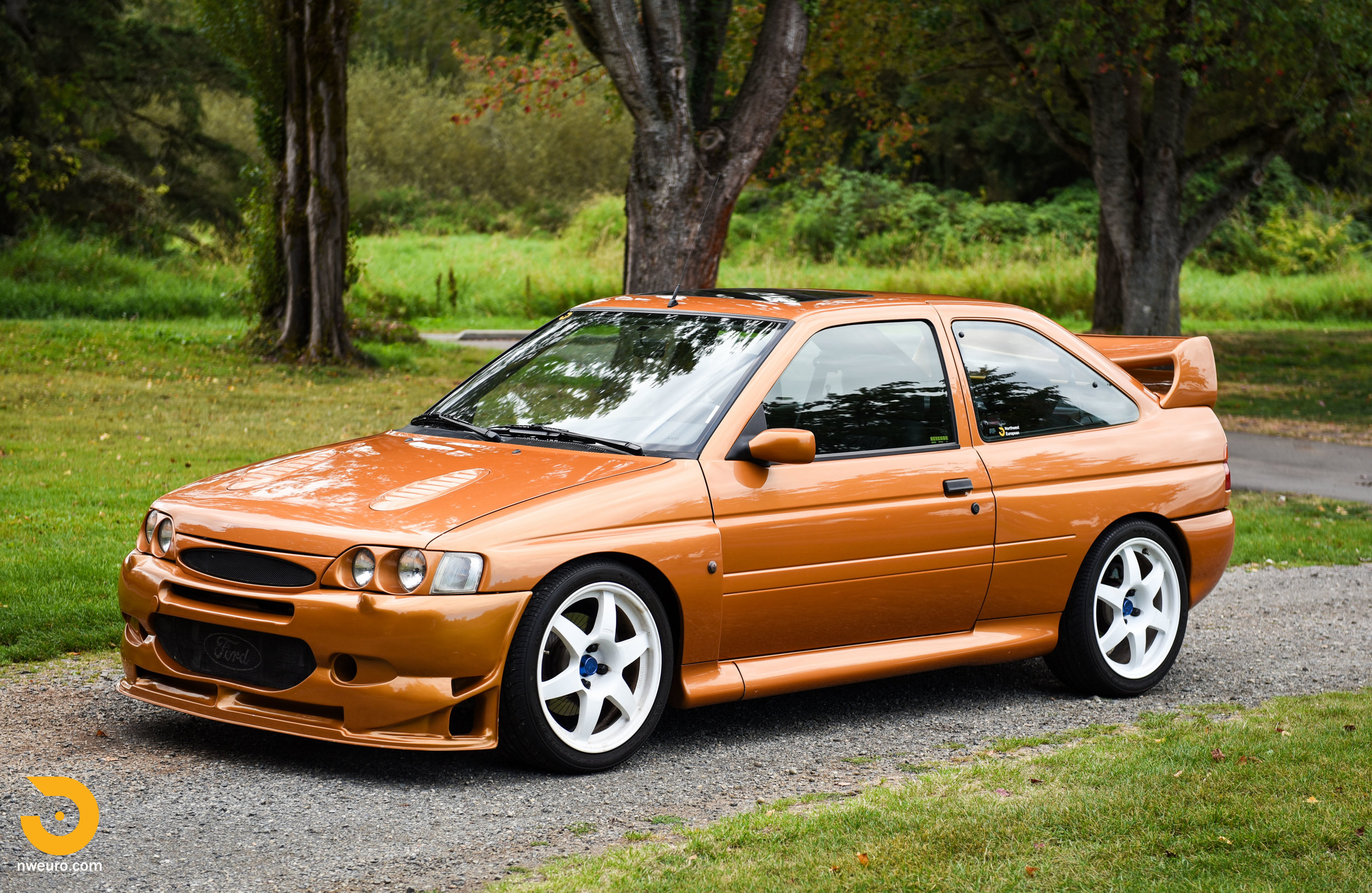 1995 Ford Escort Cosworth RS-4.jpg