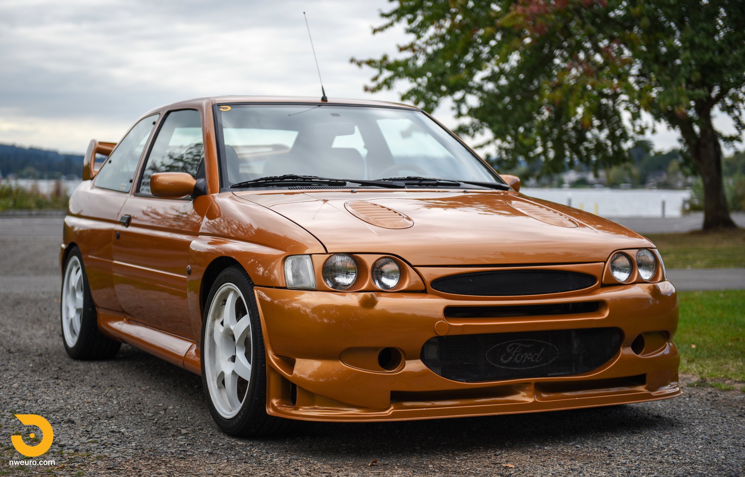 1995 Ford Escort Cosworth RS-8.jpg