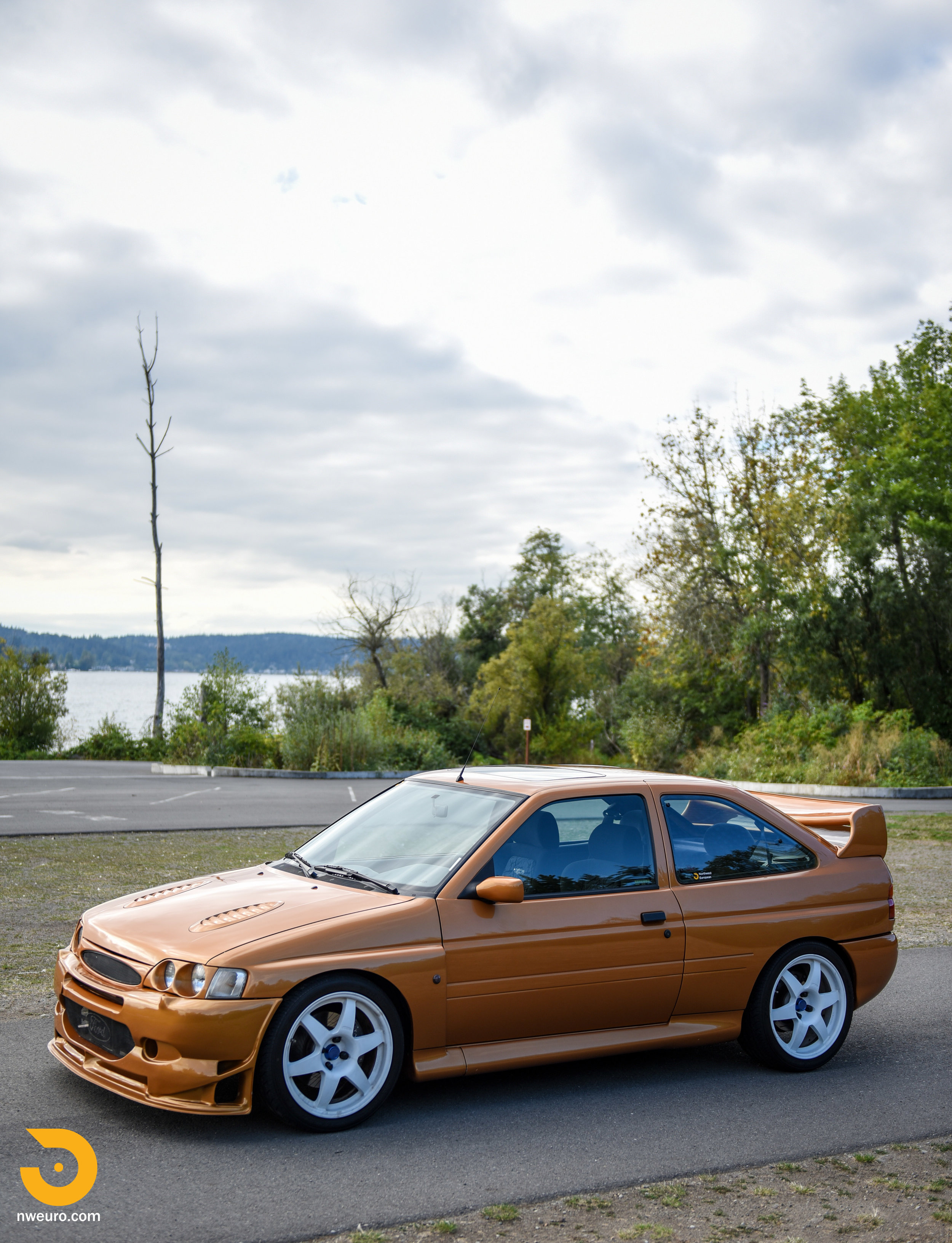 1995 Ford Escort Cosworth RS-46.jpg