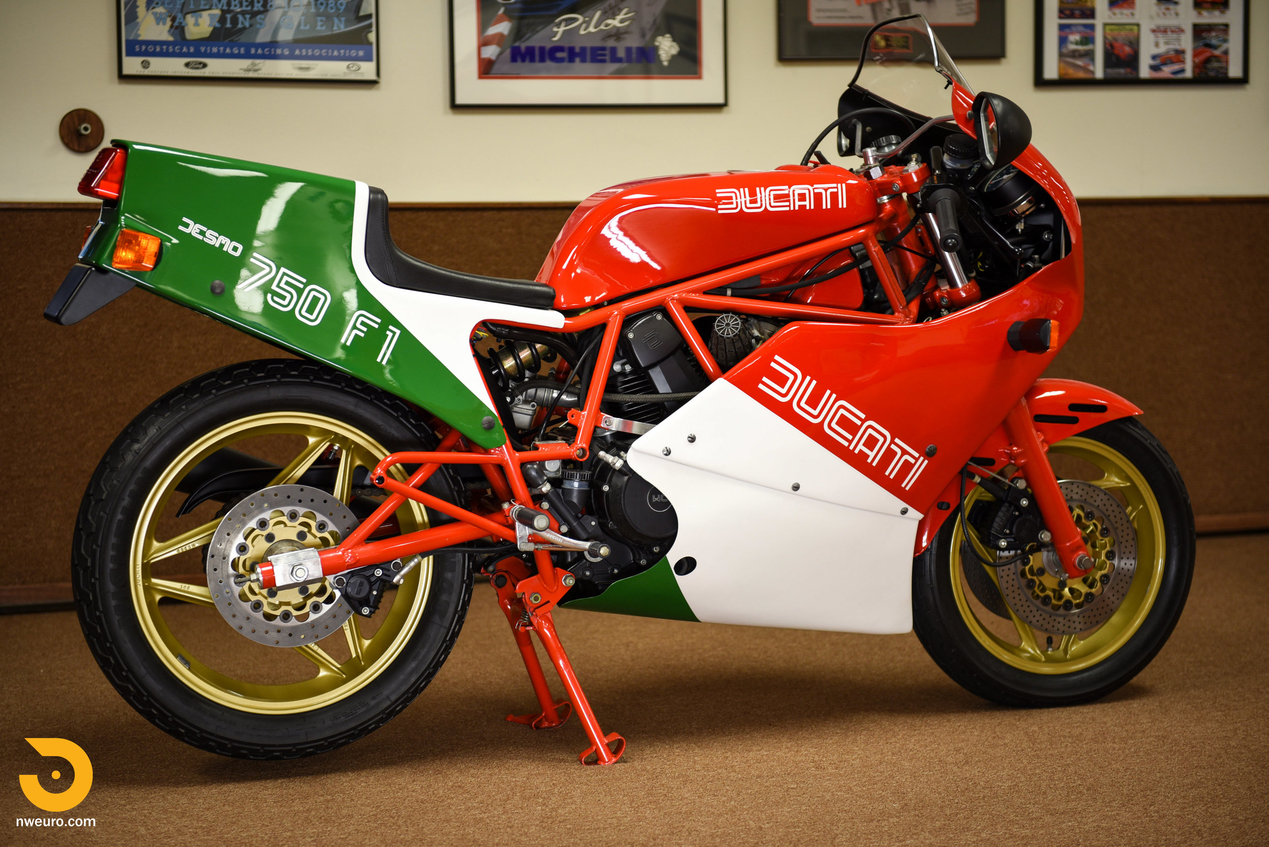 1985 Ducati 750 F1A-1.jpg